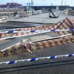 La marejada destrozó la terraza del Bar del Puerto. Foto: Ulises